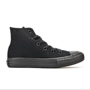 Kids Chuck Taylor Allstars Black Size 3